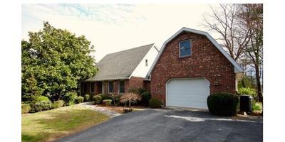 Hendersonville area, $295,000